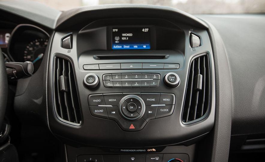 2015 Ford Focus 1.0L EcoBoost - Slide 34