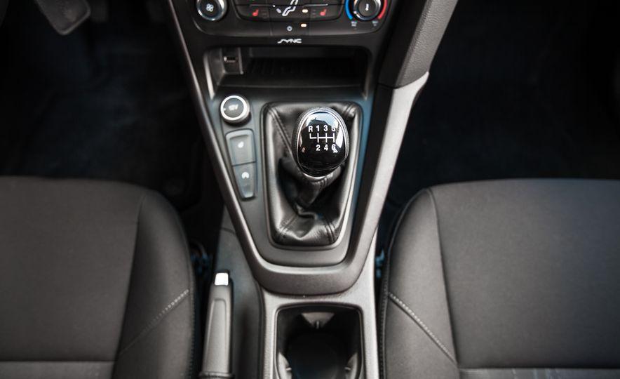 2015 Ford Focus 1.0L EcoBoost - Slide 35