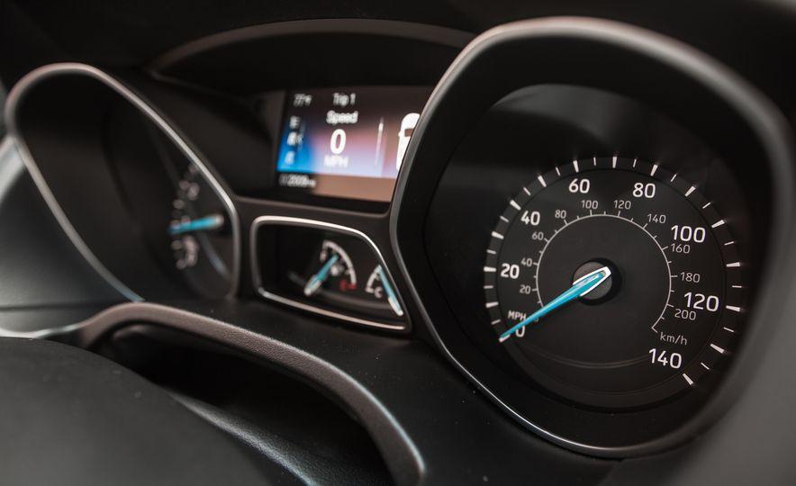 2015 Ford Focus 1.0L EcoBoost - Slide 38