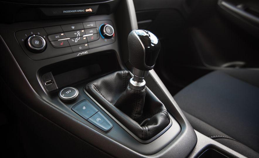 2015 Ford Focus 1.0L EcoBoost - Slide 39
