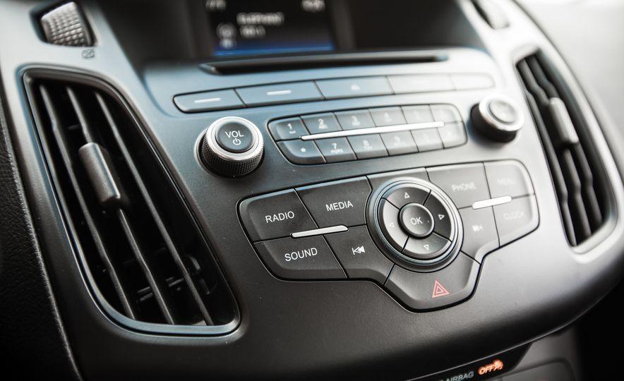 2015 Ford Focus 1.0L EcoBoost - Slide 41