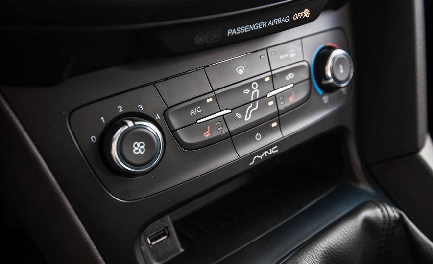 2015 Ford Focus 1.0L EcoBoost - Slide 42