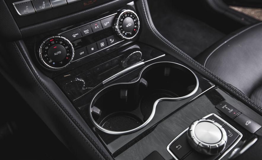 2015 Mercedes-Benz CLS400 4MATIC - Slide 25