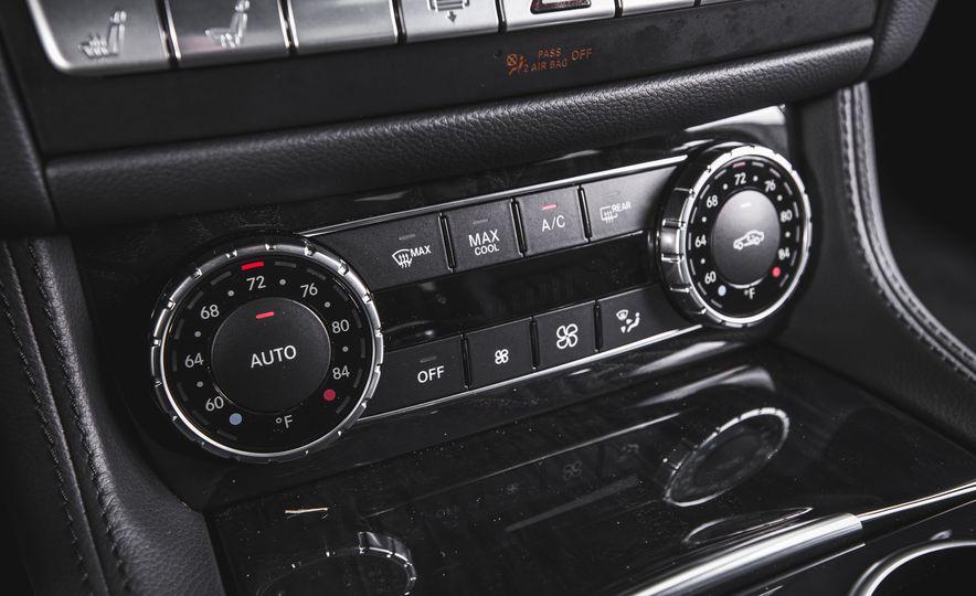 2015 Mercedes-Benz CLS400 4MATIC - Slide 28