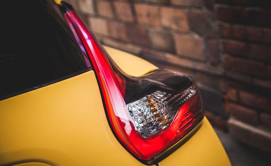 2016 Nissan Juke Stinger Edition by Color Studio - Slide 17