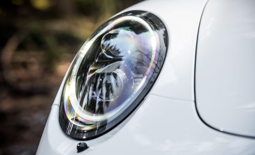 2016 Jaguar F-type R coupe, 2015 Porsche 911 Carrera GTS, and 2016 Mercedes-AMG GT S - Slide 49