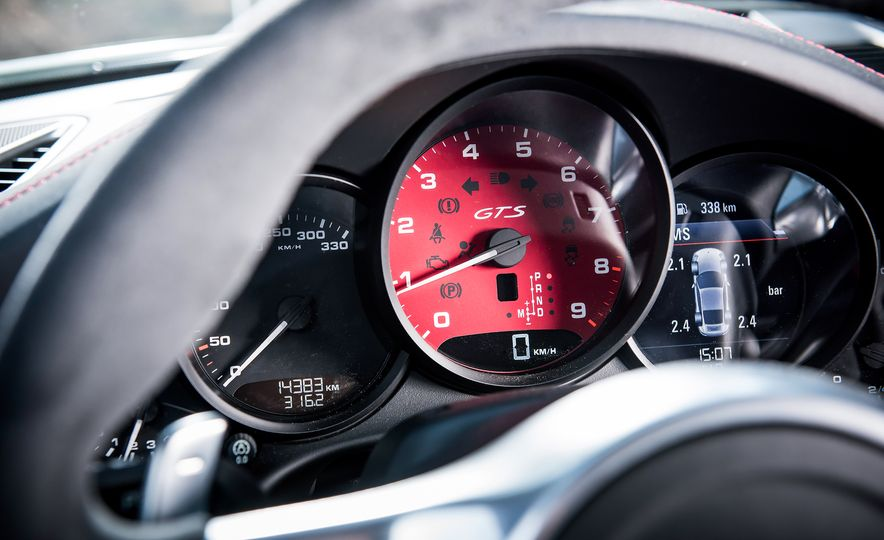 2016 Jaguar F-type R coupe, 2015 Porsche 911 Carrera GTS, and 2016 Mercedes-AMG GT S - Slide 53