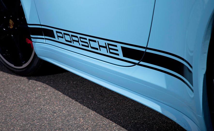 2015 Porsche 911 Targa 4S Exclusive Edition - Slide 9