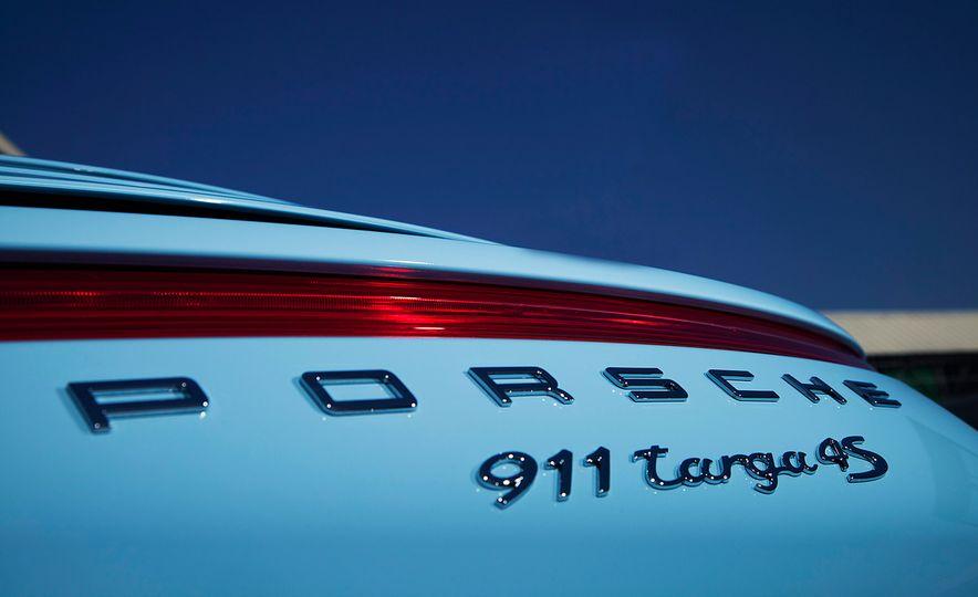 2015 Porsche 911 Targa 4S Exclusive Edition - Slide 11
