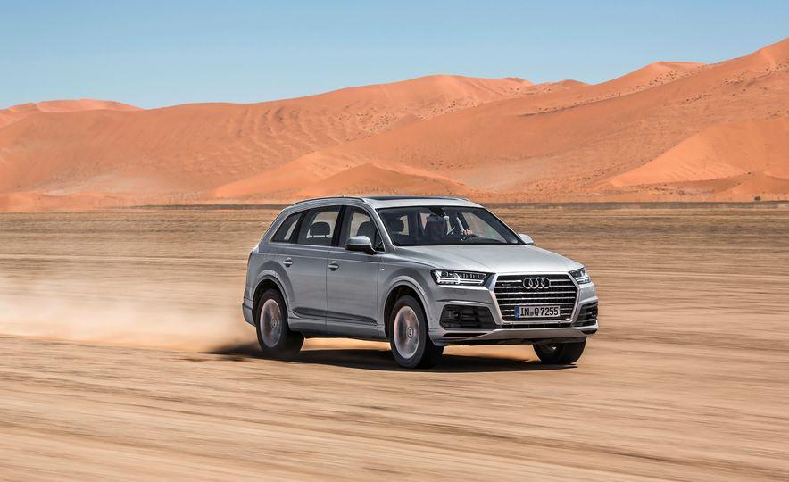 2016 Audi Q7 - Slide 1