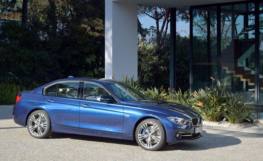 2016 BMW 340i Sport Line sedan - Slide 5