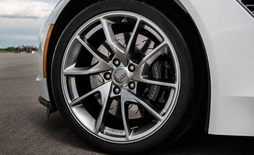 2016 Chevrolet Corvette convertible - Slide 11
