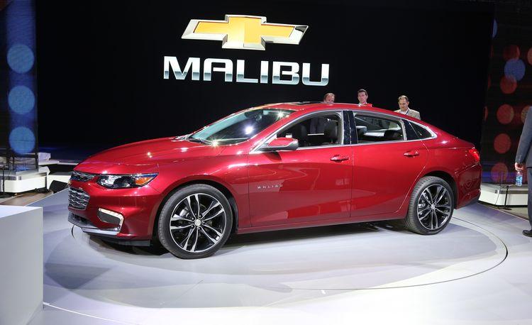2016 Chevrolet Malibu Hybrid – Official Photos and Info