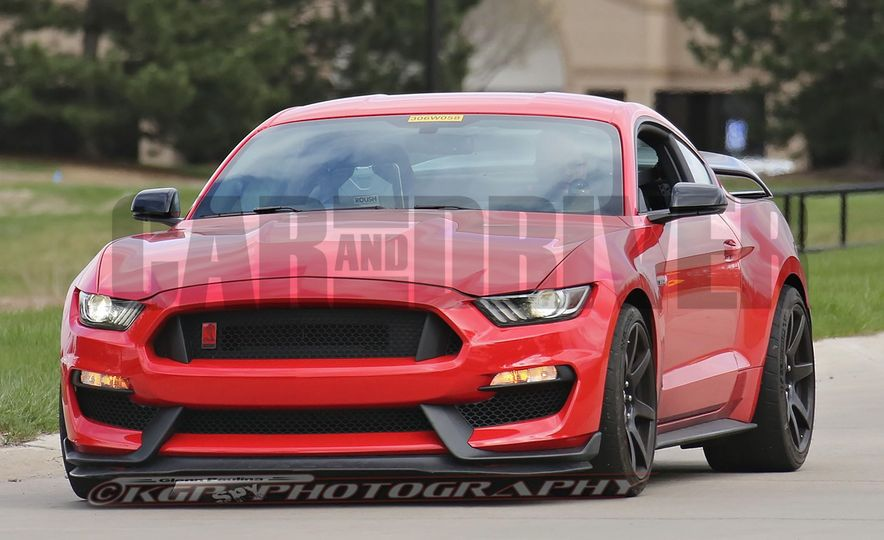 2016 Ford Mustang GT350R (spy photo) - Slide 2