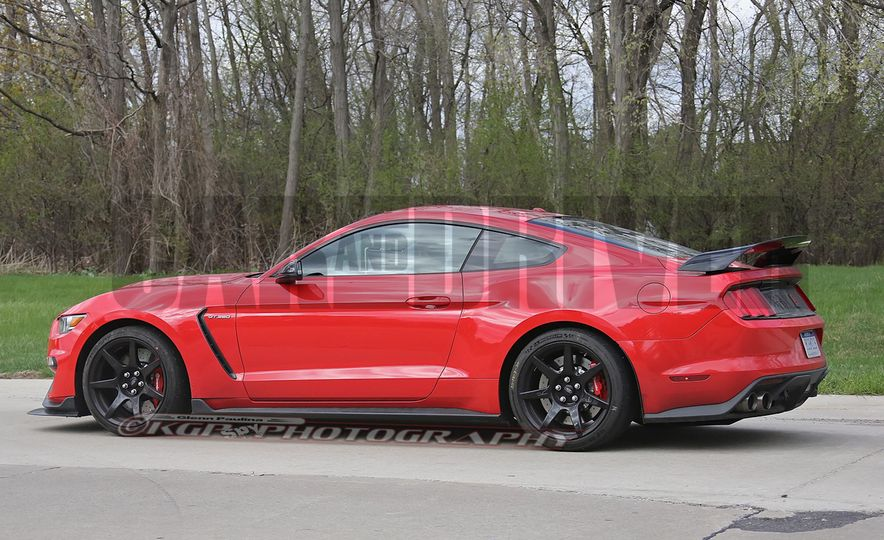 2016 Ford Mustang GT350R (spy photo) - Slide 12