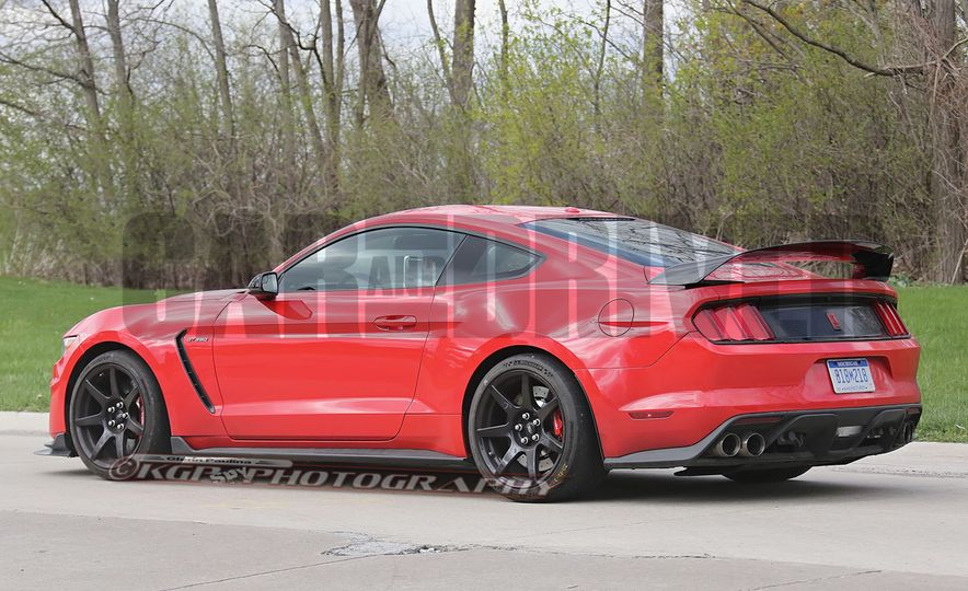 2016 Ford Mustang GT350R (spy photo) - Slide 13