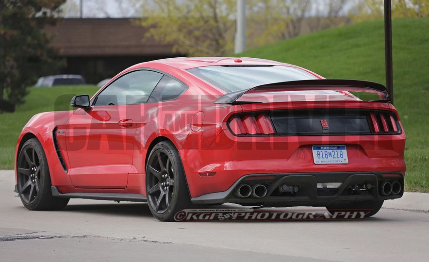 2016 Ford Mustang GT350R (spy photo) - Slide 15