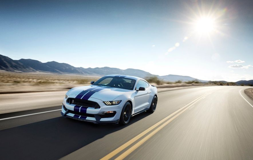 2016 Ford Mustang Shelby GT350R - Slide 26