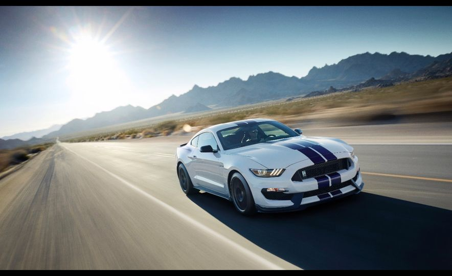 2016 Ford Mustang Shelby GT350R - Slide 27