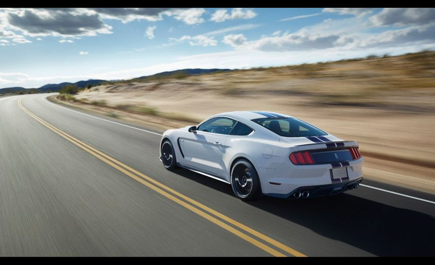 2016 Ford Mustang Shelby GT350R - Slide 29