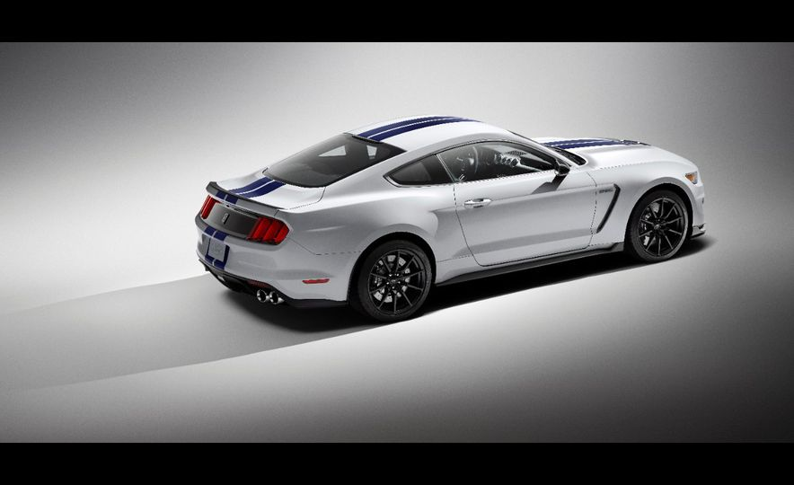 2016 Ford Mustang Shelby GT350R - Slide 44