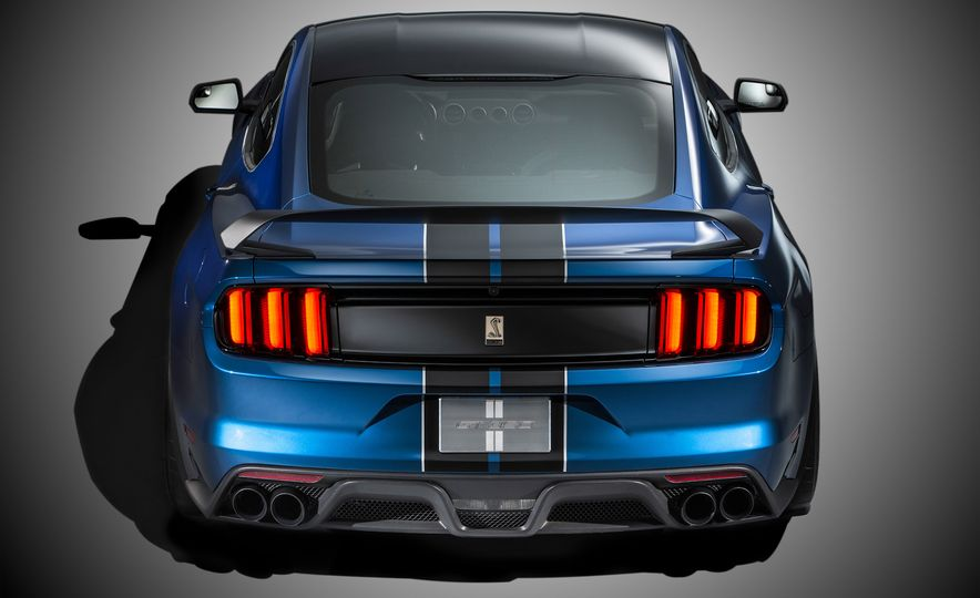 2016 Ford Mustang Shelby GT350R - Slide 4