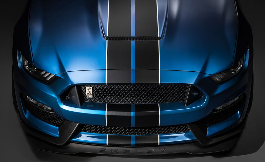 2016 Ford Mustang Shelby GT350R - Slide 7