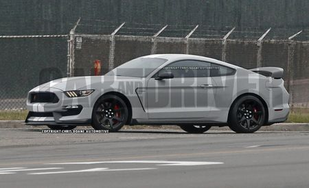 Springtime in Michigan: 2016 Ford Mustang GT350s, GT350Rs Come Out to Play