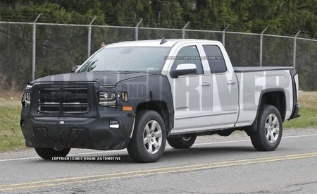 Facelifted GMC Sierra Spied: Details Change, the Shape Remains the Same
