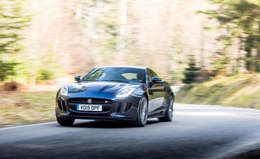 2016 Jaguar F-type R coupe, 2015 Porsche 911 Carrera GTS, and 2016 Mercedes-AMG GT S - Slide 14