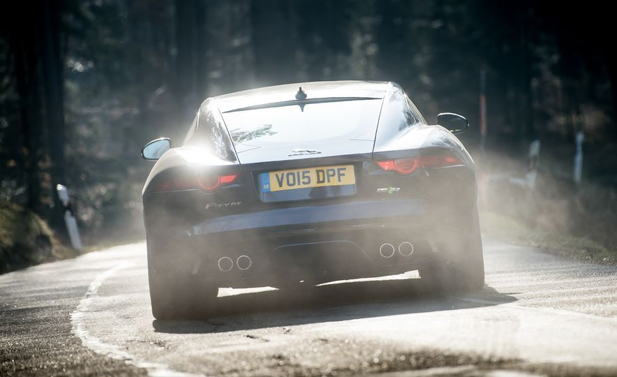 2016 Jaguar F-type R coupe, 2015 Porsche 911 Carrera GTS, and 2016 Mercedes-AMG GT S - Slide 18