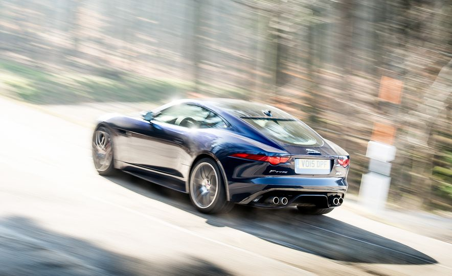 2016 Jaguar F-type R coupe, 2015 Porsche 911 Carrera GTS, and 2016 Mercedes-AMG GT S - Slide 19