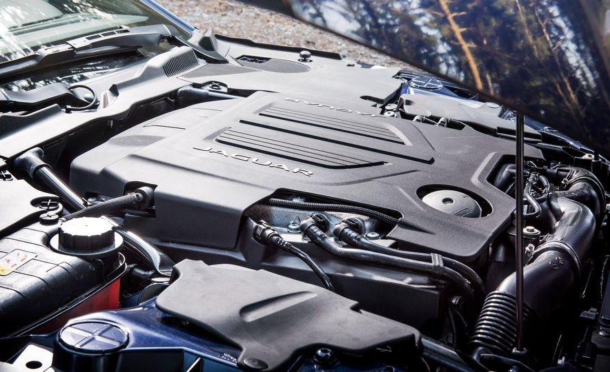 2016 Jaguar F-type R coupe, 2015 Porsche 911 Carrera GTS, and 2016 Mercedes-AMG GT S - Slide 26