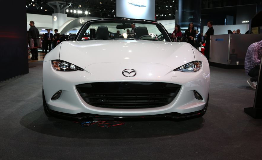 2016 Mazda MX-5 Miata Club - Slide 2
