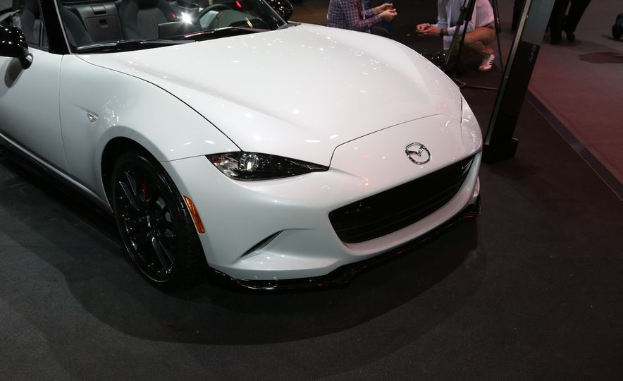 2016 Mazda MX-5 Miata Club - Slide 7