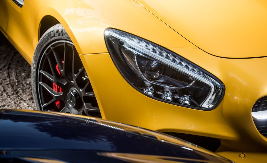 2016 Jaguar F-type R coupe, 2015 Porsche 911 Carrera GTS, and 2016 Mercedes-AMG GT S - Slide 33