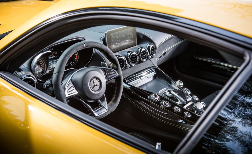 2016 Jaguar F-type R coupe, 2015 Porsche 911 Carrera GTS, and 2016 Mercedes-AMG GT S - Slide 35