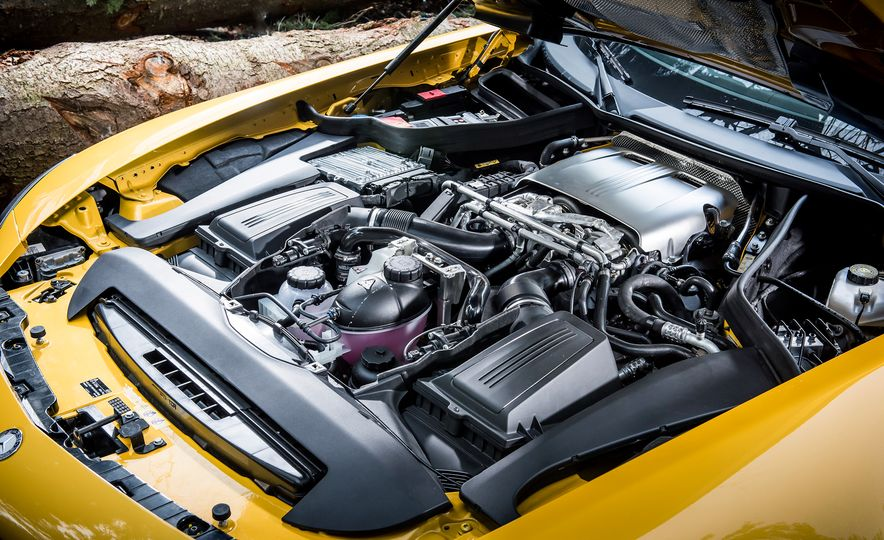 2016 Jaguar F-type R coupe, 2015 Porsche 911 Carrera GTS, and 2016 Mercedes-AMG GT S - Slide 43