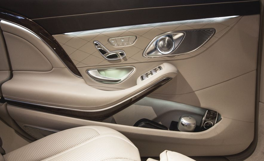 2016 Mercedes-Maybach S600 - Slide 19