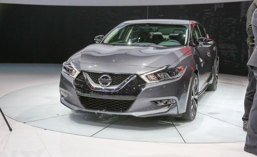 2016 Nissan Maxima - Slide 1