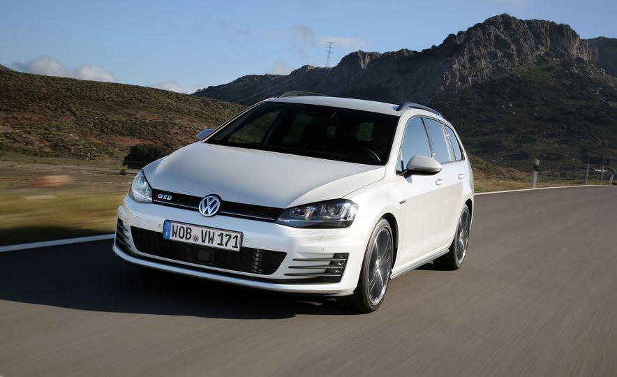 2016 Volkswagen Golf GTD SportWagen - Slide 3
