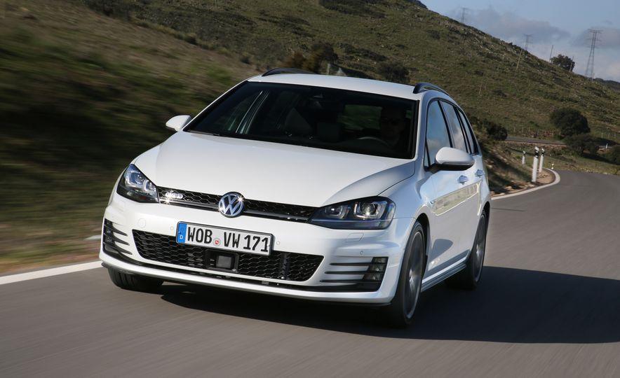 2016 Volkswagen Golf GTD SportWagen - Slide 4