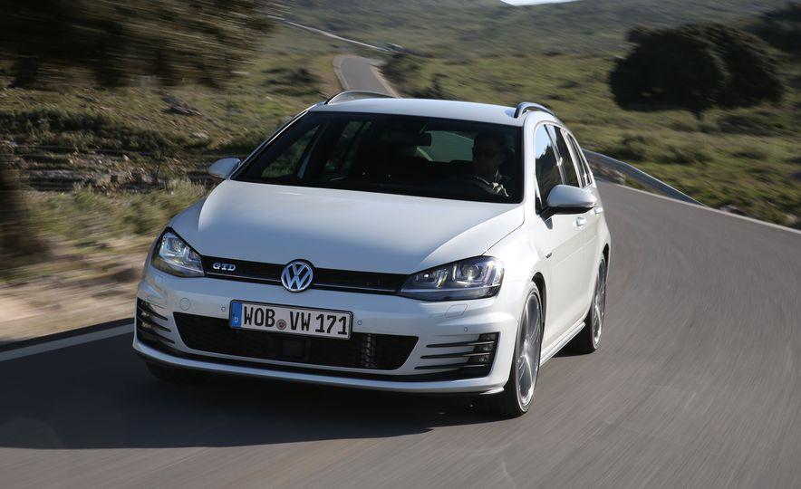 2016 Volkswagen Golf GTD SportWagen - Slide 5