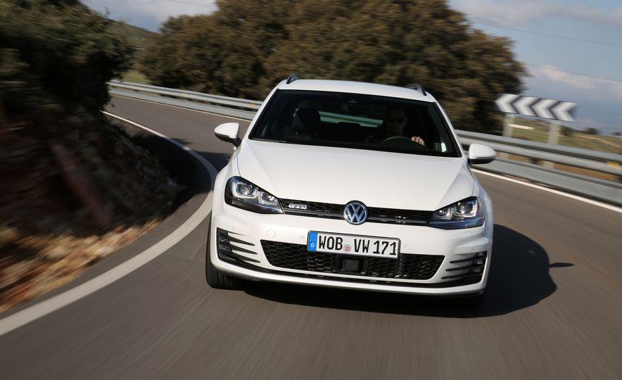 2016 Volkswagen Golf GTD SportWagen - Slide 7