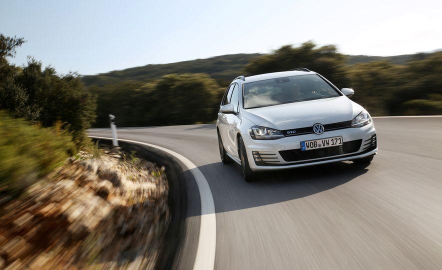 2016 Volkswagen Golf GTD SportWagen - Slide 8