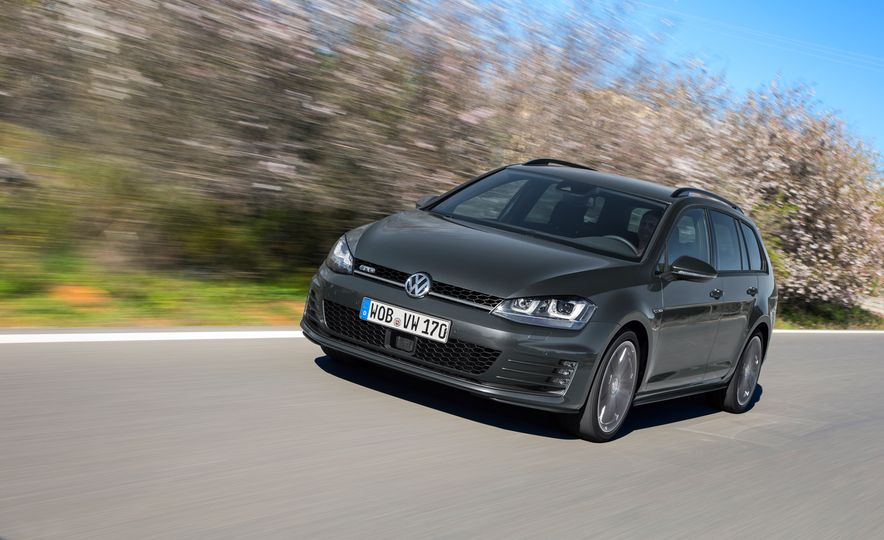 2016 Volkswagen Golf GTD SportWagen - Slide 15