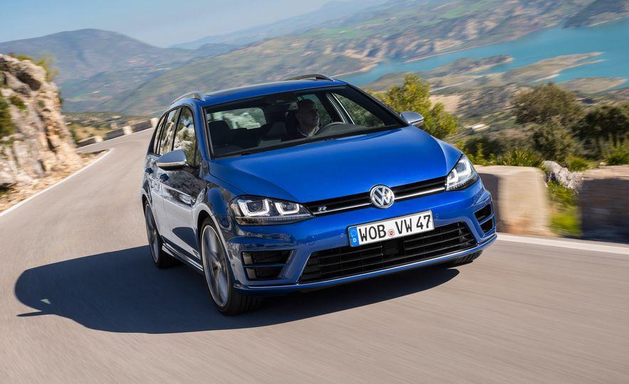 2016 Volkswagen Golf R SportWagen (Euro-spec) - Slide 1