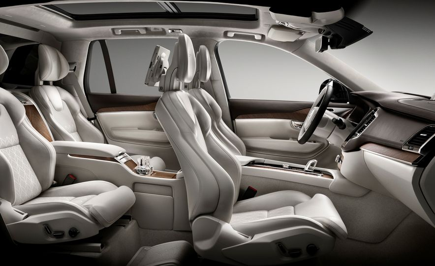 2016 Volvo XC90 T8 Excellence Edition - Slide 5