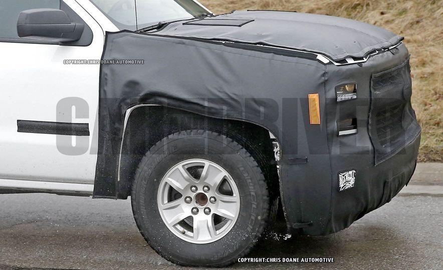 2016 Chevrolet Silverado 1500 (spy photo) - Slide 11