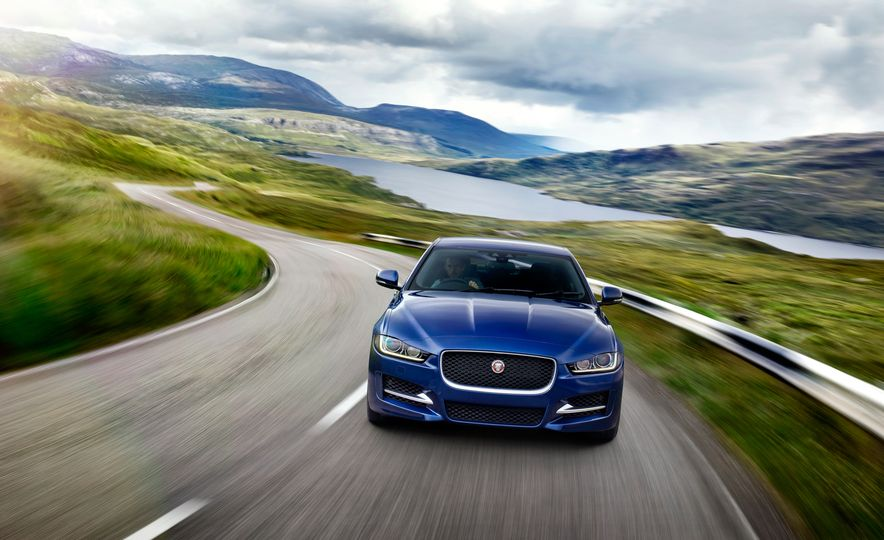 2017 Jaguar XE S Type (Euro-spec) - Slide 31